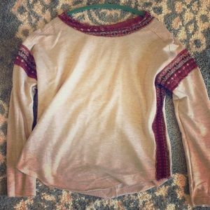 Hem & Thread size Small long sleeve top